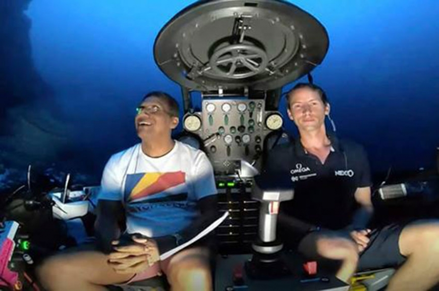 President Faure makes historic address from 120 metres below the ocean surface (Source: Statehouse Seychelles)